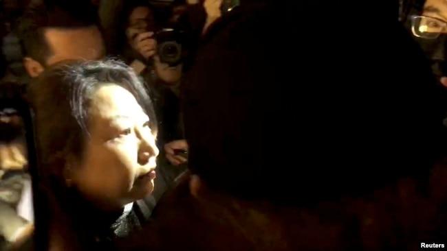 香港律政司长在英国遭抗议 中国作出强烈反应