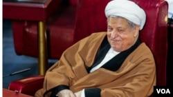 چهره بشاش هاشمی در آخرین اجلاسیه دوره چهارم مجلس خبرگان