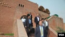 سری لنکا کا سیکورٹی وفد لاہور ہینچ گیا
