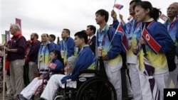 지난 2012년 영국 런던에서 열리는 장애인 올림픽에 처음으로 참가한 북한 선수단. (자료사진)