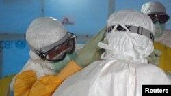 Đường xá vắng tanh khi chính phủ Sierra Leone ra lệnh cho dân chúng ở trong nhà 3 ngày trong nổ lực phòng chống Ebola, 19/9/14