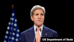 عکس آرشیوی جان کری وزیر خارجه ایالات متحده در نشست خبری پس از اعلام توافق اتمی با ایران - ۲۳ تیر ۱۳۹۴