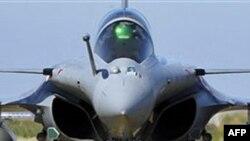 Chiến đấu cơ Pháp trở về căn cứ sau khi hoàn thành nhiệm vụ ở Libya, 24/3/2011