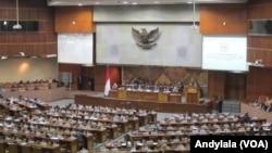 Sidang Paripurna DPR RI di Gedung MPR/DPR RI Jakarta, 30 Oktober 2015 (Foto: dok).