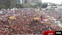 ບັນດາຜູ້ສະໜັບສະໜຸນທ່ານ Mohamed Morsi ໄປໂຮມຊຸມນຸມກັນ ຢູ່ຈະຕຸລັດ Tahrir ໃນວັນອາທິດມື້ນີ້, ທີ 24 ມິຖຸນາ 2012.