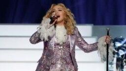Penyanyi pop Madonna saat tampil dalam sebuah acara pertunjukan di Las Vegas, Nevada (foto: dok).