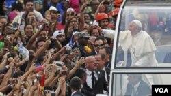 ພະສັນຕະປະປາ Francis ເລີ້ມການຢ້ຽມຢາມ ຕາມໝາຍກຳນົດການຄືນອີກ ຢູ່ປະເທດບຣາຊີລ ໃນວັນພຸດມື້ນີ້