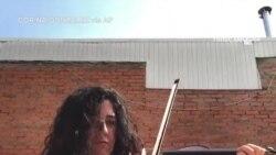 В Іспанії музиканти зіграли з балконів та дахів «Оду до радості». Відео