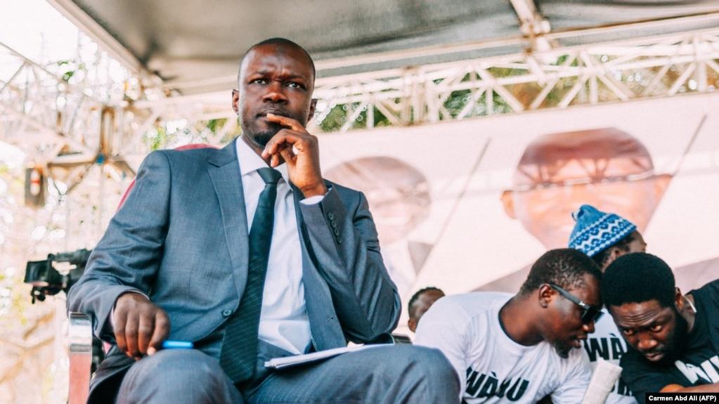 Le candidat à la présidentielle sénégalaise, Ousmane Sonko lors d'un débat de campagne à Dakar, le 21 février 2019, à quelques jours de l'élection présidentielle.