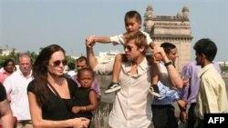 Brad Pitt-Angelina Jolie Çifti Arasında Sular Duruluyor