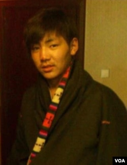 17岁的自焚藏人仁钦(美国之音藏语组提供)