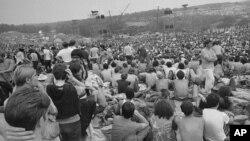 ARCHIVO - Parte del público en el Woodstock Music and Arts Festival. 14-8-69. Foto AP.