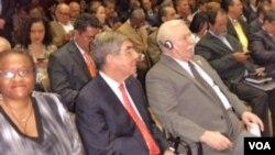 Naomi Tutu, hija de Desmond Tutu, Oscar Arias (centro) y Lech Walesa visitaron Venezuela en el segundo aniversario del encarcelamiento de Leopoldo López.