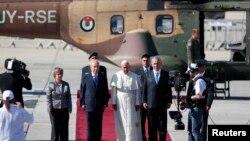 گزشتہ ہفتے پوپ بینی ڈکٹ نے اسرائیلی و فلسطینی رہنماؤں کو ویٹی کن آنے کے دعوت دے کر سب کو حیران کردیا تھا۔