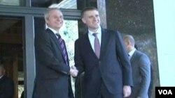 Dejvid Lidington, ministar za Evropu Ujedinjenog Kraljevstva Velike Britanije i Severne Irske sa šefom diplomatije CG Igorom Lukšićem, 4. februar 2014.