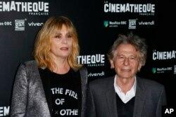 رومن پولانسکی و همسرش پیش از اکران نخست فیلم « بر اساس یک داستان واقعی» - پاریس