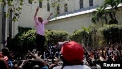 """Michel """"Sweet Micky"""" Martelly nan Petyon vil avan eleksyon prezidansyèl yo. Foto: 20 mas 2011."""