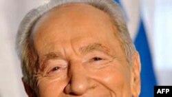 Tổng Thống Shimon Peres nhờ ông Medvedev chuyển thông điệp rằng Israel không muốn có chiến tranh với Syria hay tình trạng gia tăng căng thẳng ở biên giới 2 nước
