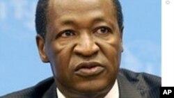 De nombreux Burkinabés redoutent que Blaise Compaore ne cherche à briguer un autre mandat
