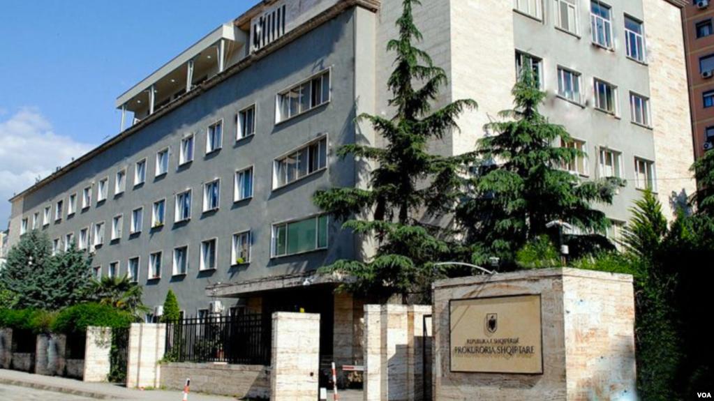 Tiranë: Arrestohet për rryshfet prokurorit avokatja Donata Lepenica
