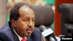 Madaxweynaha oo saxaafadda kula hadlaya magaalada Addis Ababa May 26, 2013.