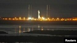 El lanzamiento de un cohete de SpaceX con destino a la Estacion Espacial Internacional fue abortado este martes en Cabo Cañaveral, Florida.