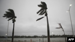 Тропический шторм «Дон» достиг побережья Техаса