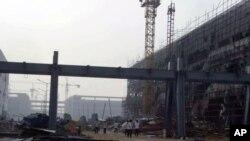 富士康旗下的工廠富泰華精密電子鄭州有限公司施工中的廠房