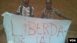 Jovens manifestantes.