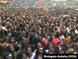 Liburan tahunan yang dinamakan Ashenda. (Foto: VOA)