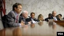 Sebuah panel Senat AS memberikan suara mendukung kemungkinan serangan militer terhadap Suriah dalam pertemuan hari Rabu (4/9).