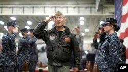 해리 해리스 미군 태평양사령관이 지난 6월 호주 시드니에서 열린 미국-호주 합동훈련 개막식에서 사열하고 있다.