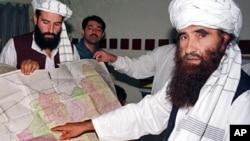 파키스탄 이슬람 과격 무장단체 하카니 지도자 잘랄루딘 하카니(오른쪽). (자료사진)