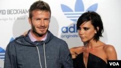 Mientras que David juega con el equipo LA Galaxy, la pareja vive en Beverly Hills en una casa valorada en $14 millones de dólares.