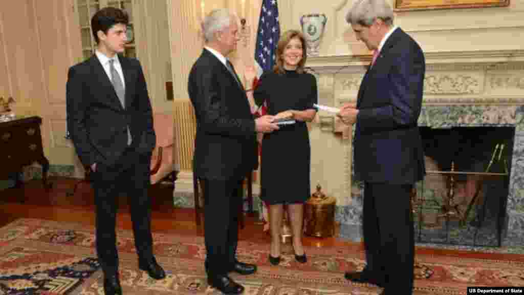 Secretary of State John Kerry swears in Caroline Kennedy as U.S. Ambassador to Japan at the Department of State in Washington, DC. Ambassador Kennedy is accompanied by her husband, Dr. Edwin Schlossberg, and son, John %22Jack%22 Schlossberg.