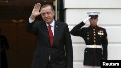 Президент Туреччини Реджеп Таїп Ердоган прибуває до Білого дому