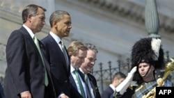 Слева направо: спикер Палаты представителей Джон Бейнер, президент Барак Обама, премьер-министр Энда Кенни и конгрессмен Питер Кинг. Вашингтон. 17 марта 2011 года