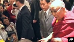 Dalai Lama Meets Relatives of Kyegudo Earthquake Victims in New York