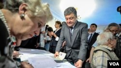 Петр Порошенко на выборах