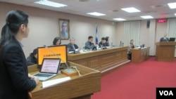 台湾立法院外交及国防委员会3月8号质询的情形(美国之音张永泰拍摄)