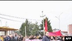 """Lëvizja """"Vetëvendosje"""" zhvillon protestë kundër vizitës së presidentit serb"""