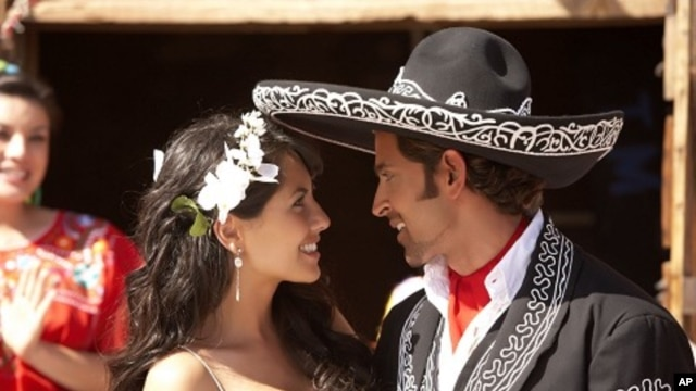 Barbara Mori and Hrithik Roshan in a scene from 'Kites'