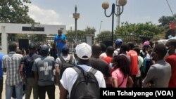 Manifestação do Livro em Luanda, no Parque da Independência. 27 Fevereiro 2021