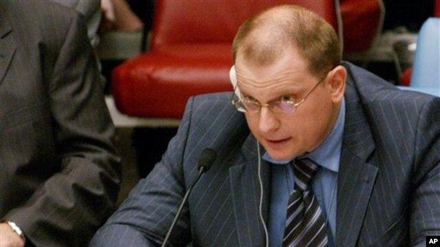 Ông Konstanin Dolgov nói rằng những vụ ngược đãi nêu ra trong báo cáo không tương xứng với những tuyên bố của Mỹ là 1 'mô hình dân chủ.'