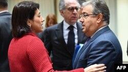 La ministre portugaise de l'Intérieur, Constanca Urbano de Sousa et le ministre espagnol de l'Intérieur Juan Ignacio Zoido au Conseil Européen, Bruxelles, 27 mars 2017.