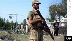 6 người trong gia đình một giới chức Pakistan thiệt mạng vì bom