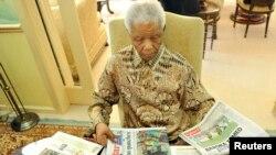 L'ancien président sud-africain Nelson Mandela à Houghton le 16 mai 2011.