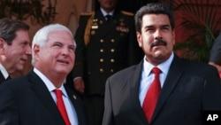 Los presidentes de Panamá y Venezuela, Ricardo Martinelli y Nicolás Maduro, reunidos en Miraflores en julio del año pasado.