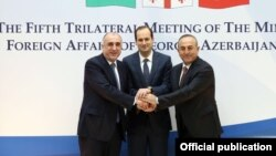 Handshake by Foreign Ministers of #Georgia #Azerbaijan #Turkey before the start of trilateral mtg