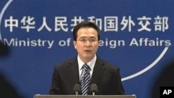 정례 브리핑 중인 중국 외교부 홍레이 대변인. (자료사진)